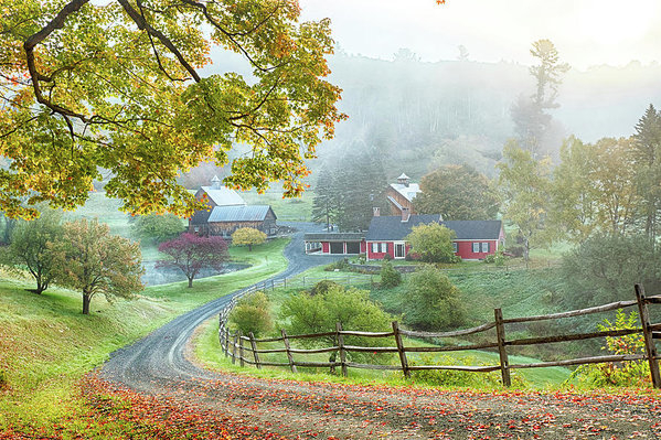 Jeff Folger - Fog on sleepy hollow farm