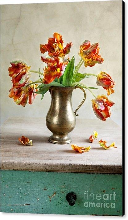 Nailia Schwarz - Still Life with Tulips