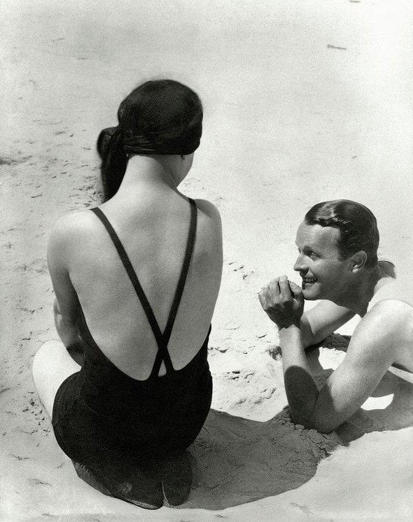 George Hoyningen-Huene - Couple On A Beach