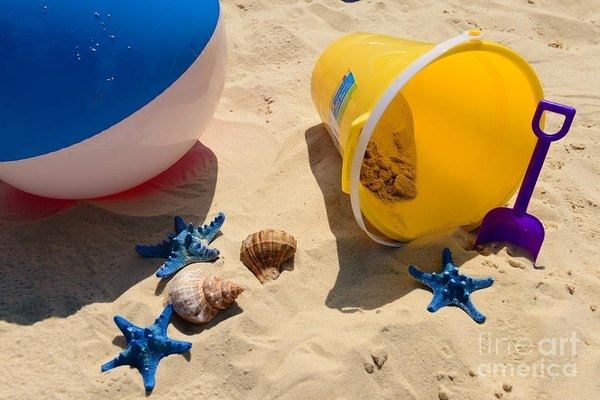 Paul Ward - Beach Fun
