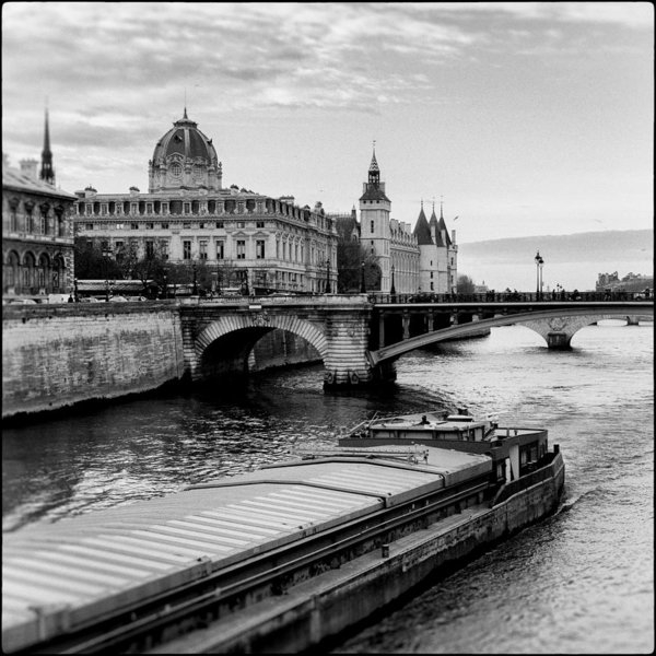 Lazh Lo - Barge on the Seine