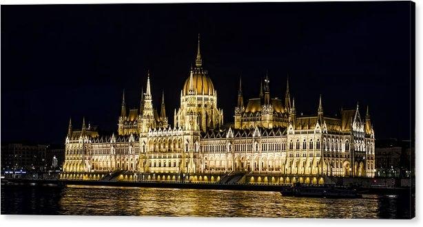 Heather Applegate - Hungarian Parliament
