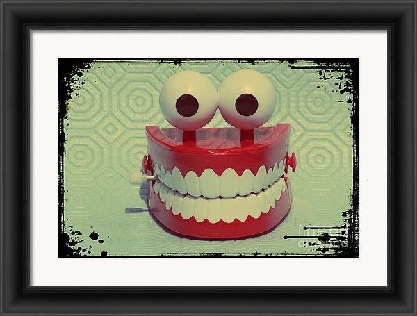Sophie Vigneault - Funny Dentures