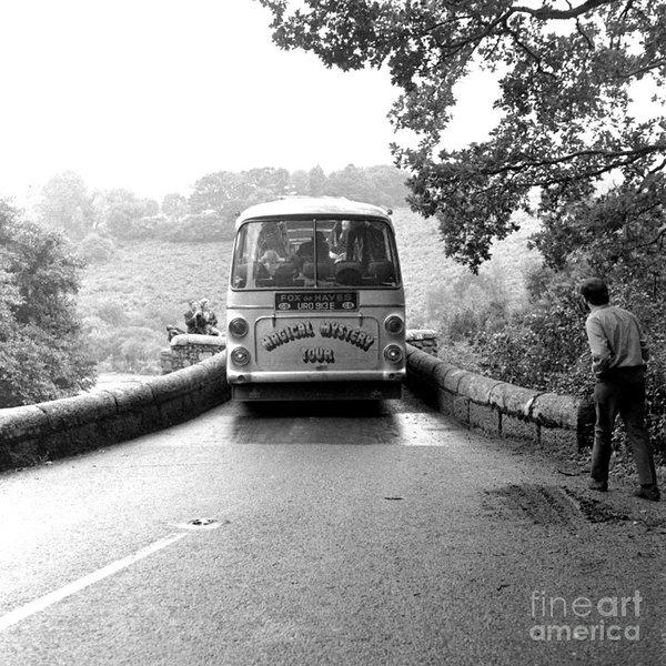 Chris Walter - Beatles Magical Mystery Tour Bus