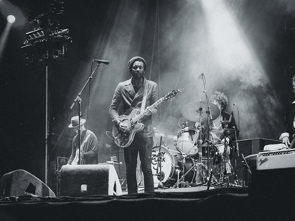 Marco Oliveira - Gary Clark, Jr. Playing Live