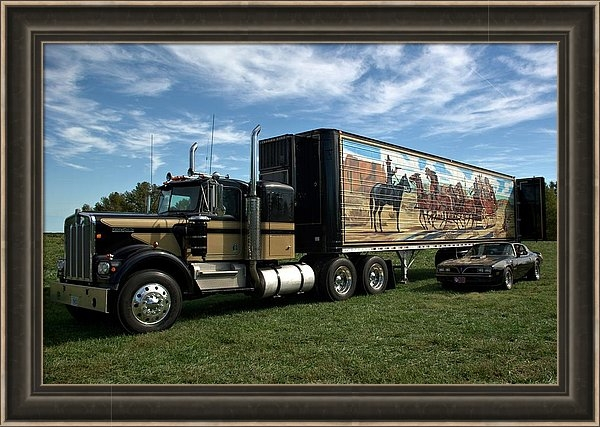 TeeMack - Smokey and the Bandit Tribute 1973 Kenworth W900 Black and Gold Semi Truck