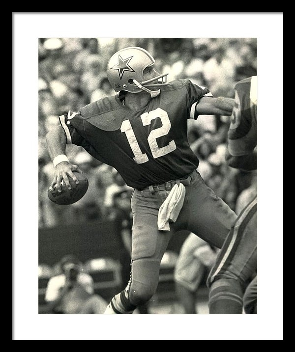 Gianfranco Weiss - Roger Staubach Vintage NFL Poster