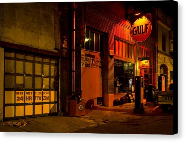 Dave Dilli - Gulf Oil Vintage Night Time Horizontal