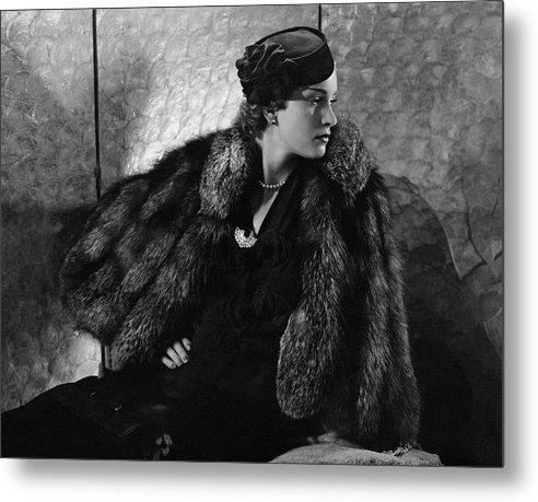 Gerda Sommerhoff Wearing Suzy And Black Starr by Edward Steichen