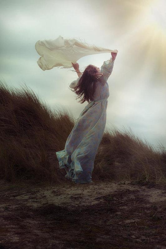 flying by Joana Kruse