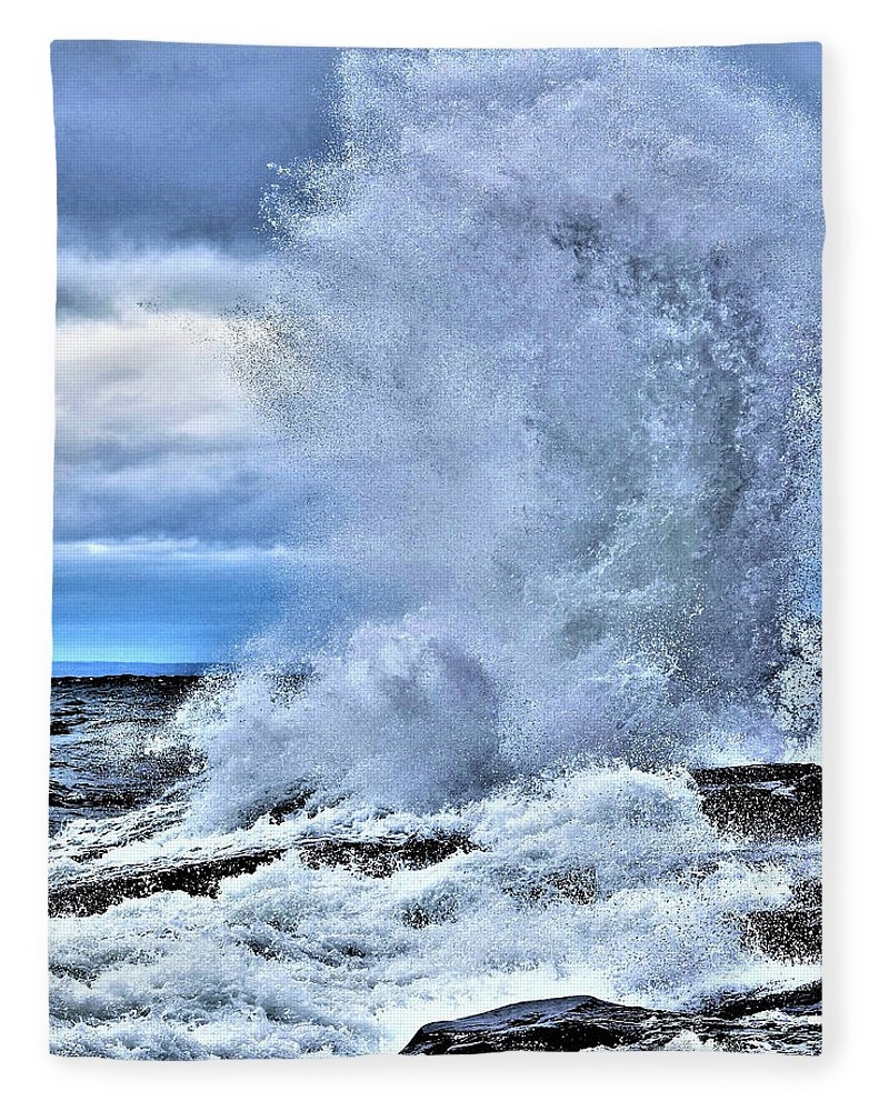 The Storm - Lake Superior by Jan Swart