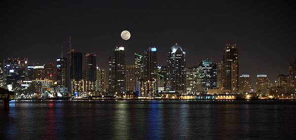 Sandra Bronstein - Moonrise over San Diego Print